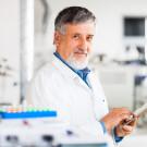 Насколько важен стаж и возраст при выборе врача