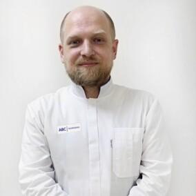 Якушев Антон Андреевич, хирург