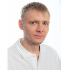 Комаров Павел Викторович, стоматолог-терапевт
