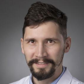 Тырин Сергей Николаевич, стоматолог-терапевт