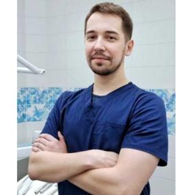 Нестеркин Виталий Владимирович, стоматолог-терапевт