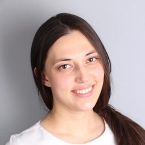 Хубулова Алеся Амирановна, стоматолог-терапевт