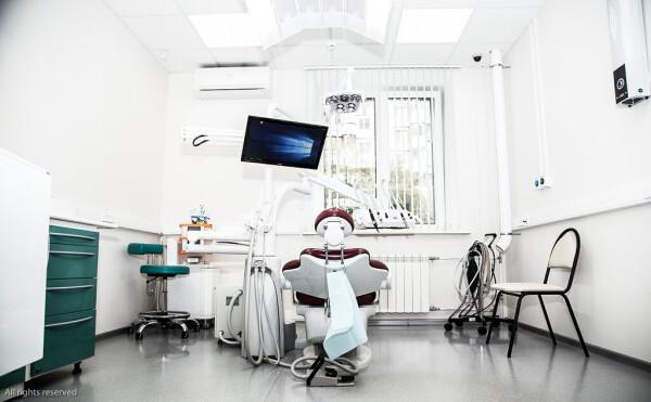 Дент-линия, стоматологическая клиника