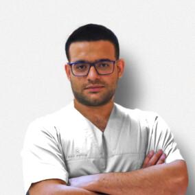 Хаггаг Абуди, стоматолог-хирург