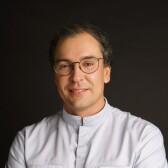 Хышов Максим Владимирович, имплантолог