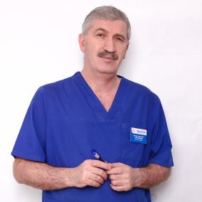 Каранашев Артур Адамович, хирург