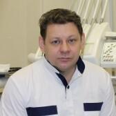 Переверзев Роман Васильевич, стоматолог-хирург