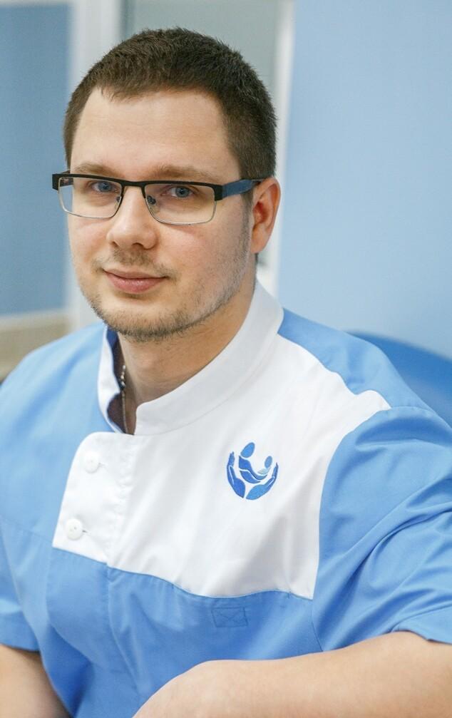 Канев Олег Сергеевич, мануальный терапевт