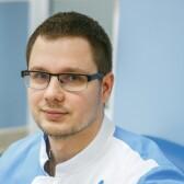 Канев Олег Сергеевич, невролог