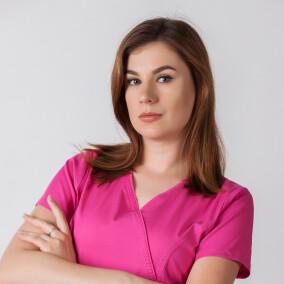 Алтухова Анна Андреевна, стоматолог-терапевт
