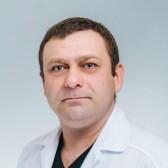 Власов Максим Валерьевич, проктолог