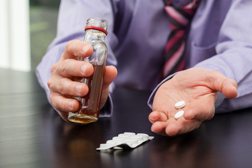 Несовместимые с алкоголем лекарства: таблица, возможна ли ...