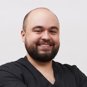 Григорьев Михаил Владимирович, стоматолог-терапевт