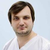 Евстягин Станислав Сергеевич, имплантолог