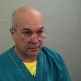 Манаков Олег Робертович, стоматолог-терапевт