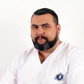 Степанов Александр Геннадиевич, стоматолог-терапевт