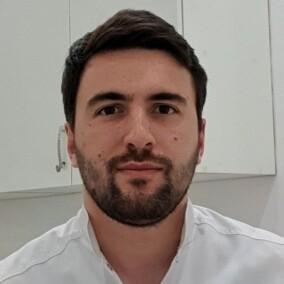 Агоев Руслан Борисович, стоматолог-терапевт