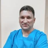 Зенин Олег Владимирович, массажист
