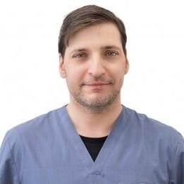 Коломойцев Владимир Владимирович, хирург