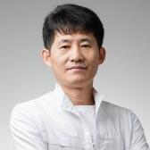 Ли Ен Гын, рефлексотерапевт