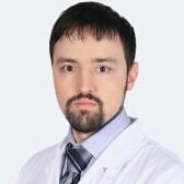 Домбровский Роман Эдуардович, ортопед
