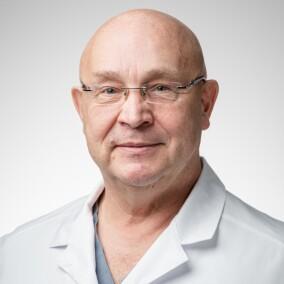 Парамонов Борис Алексеевич, пластический хирург