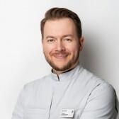 Башуров Артем Викторович, стоматолог-терапевт