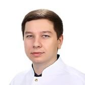 Болов Амерхан Эдуардович, невролог